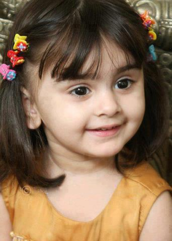 Pretty and Lovely Baby Girls Pictures to Download
