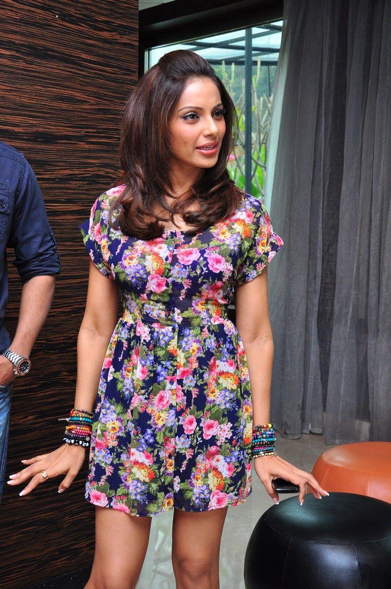 Bipasha Hot Video lady artists photo gallery: bipasha basu - event video