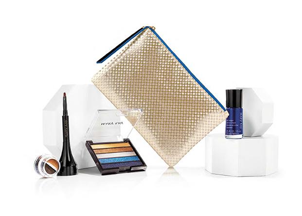 Apúntate al azul metalizado con la colección de maquillaje Runway Bold de Mary Kay
