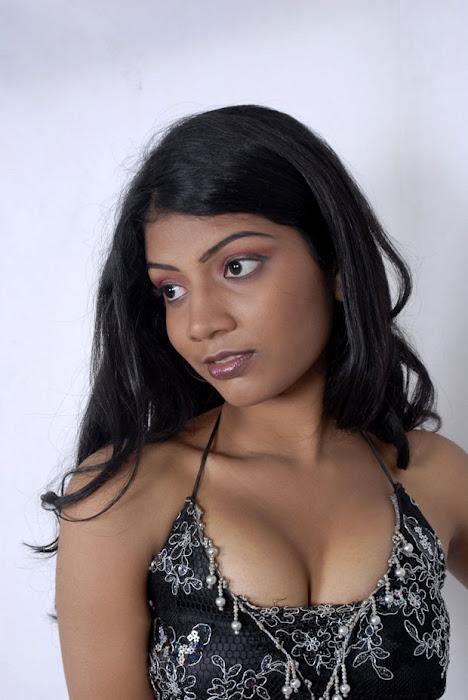 saree without blouse photos