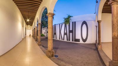 galeria de arte frida kahlo en culiacan mexico