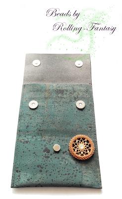 Handytasche aus Korkleder mit umperlten, austauschbarem Chip