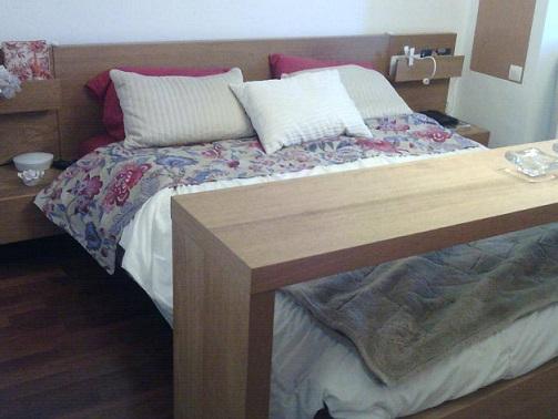 Arte f cil na web aparador para cama com rodinhas - Mesa para la cama ikea ...