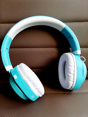 Recenzja: Słuchawki nauszne z mikrofonem BLUETOOTH AP-B04 biało-niebieskie do HTC U Ultra