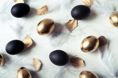 Matte and shiny Easter Eggs