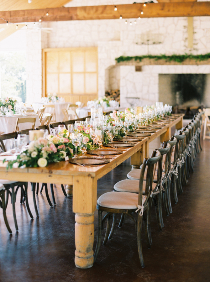 Wesele rustykalnme miejsce na przyjęcie weselne,  Dekoracje ślubne rustykalne, dekoracje weselne rustykalne, wesele rustykalne, ślub rustykalny, wesele w stylu rustykalnym, dekoracje w stylu rustykalnym, dekoracje stołów na wesele