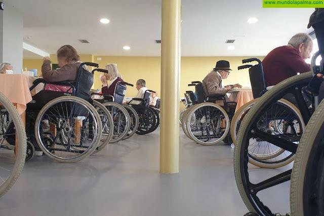 El Cabildo presta atención prioritaria al bienestar de las personas usurarias de la Residencia de Pensionistas