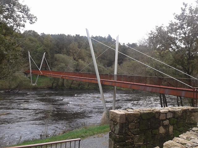 Puente sobre el río Ulla en Vedra