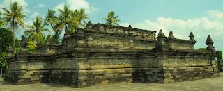 Gambar Relief Sejarah Candi Penataran Blitar - Candi Utama