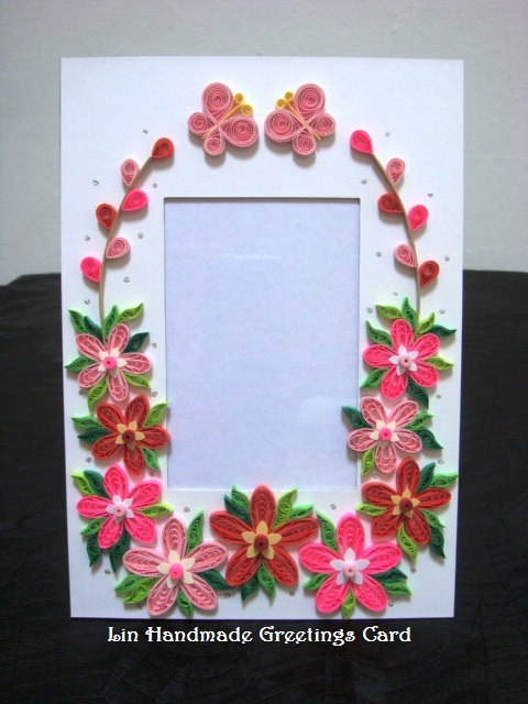 Paper Photo Frames With Quilled Flowers