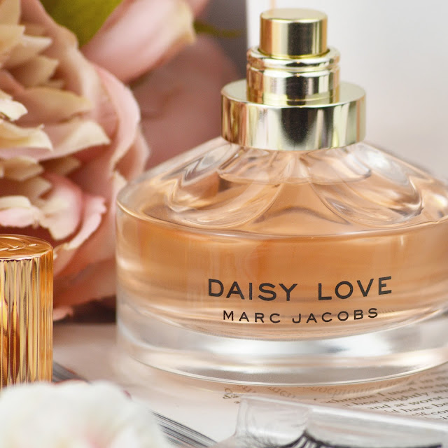 Daisy Love Marc Jacobs Perfume Review, EXCLUSIVE to World Duty Free Beauty until the 11th April | Lovelaughslipstick Blog