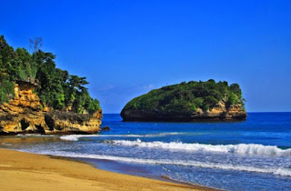 Pantai Sendang Biru Malang