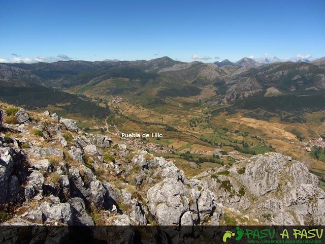 Vista de Puebla de Lillo desde el Susarón