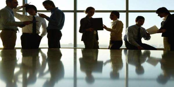 Ποια μέτρα «κλείδωσαν» για να κλείσει η β' αξιολόγηση - Τι αλλάζει στις ομαδικές απολύσεις