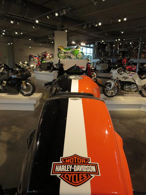 Harley-Davidson VR1000 Rear