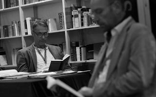 Επιστήμονας μαχαίρωσε συνάδελφό του επειδή έκανε spoiler για βιβλία που διάβαζε