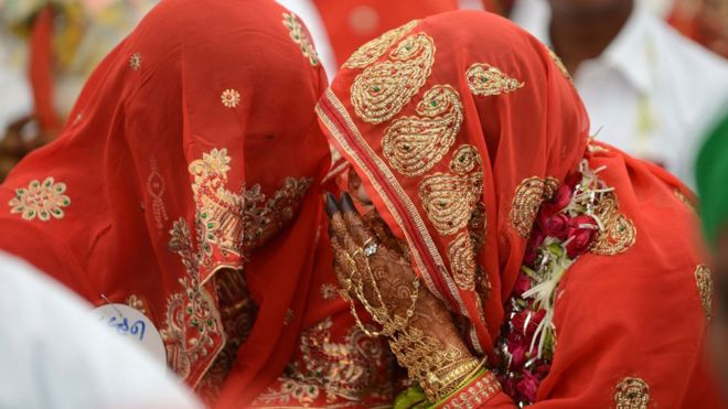Triple talaq: India considers jail for 'instant divorce'