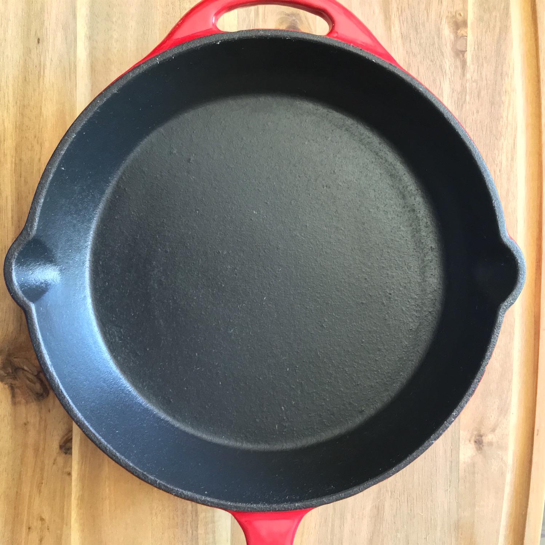 C mo curar un sart n de hierro fundido mi cocina r pida for Cocina hierro fundido