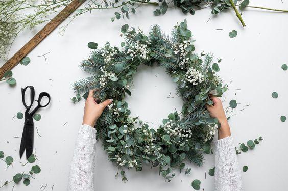 centros florales para mesas mgicas tiempo de cenas y comidas navideas y los ms detallistas no podemos prescindir de la decoracin en la mesa