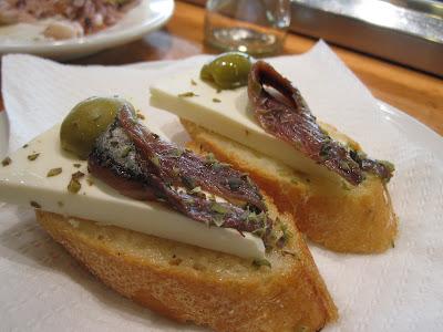 Barcelona, Cerveceria Baviera, cheese anchovies