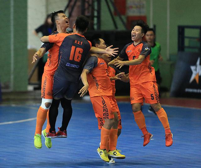 Hanoi Buffaloes thua sát nút Hochiminh City Wings ở cúp futsal Việt Nam