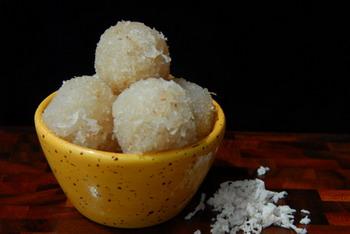 Narkel Naru Coconut Ladoo Recipe