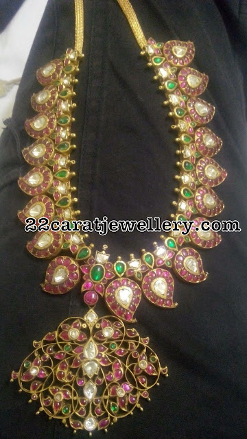 Attractive Kundan Mango Necklace