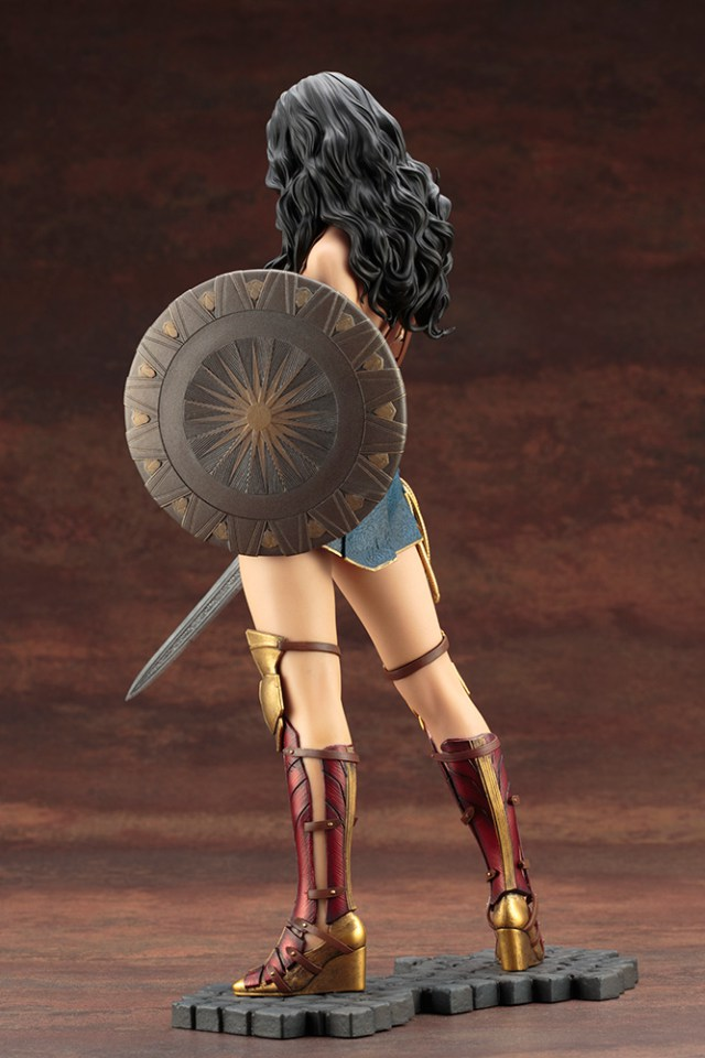 Action Figures: Marvel, DC, etc. - Página 5 WonderWoman_05