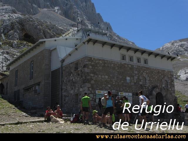 Ruta Poncebos a Cabrones por Camburero y Urriellu: Refugio de Urriellu
