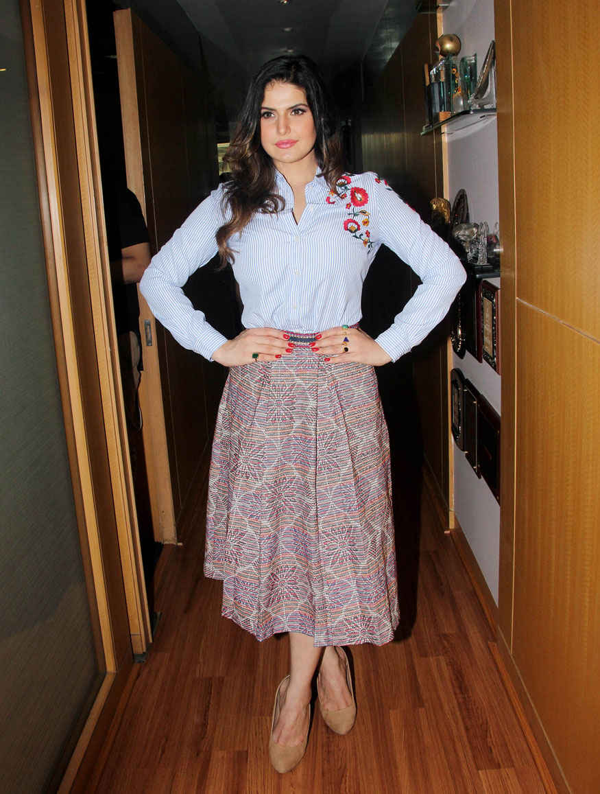 Zareen Khan During Interview for Her Movie 'Aksar 2' at Mukesh Bhatt's Office