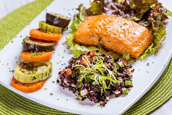 salmão-com-legumes (1)