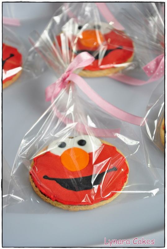 Lynara Cakes Elmo Cookies