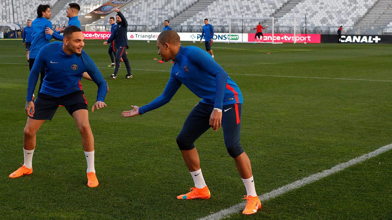 save off e4fd6 d5782 Mbappé Trains in Exclusive Nike x Off-White Mercurial ...