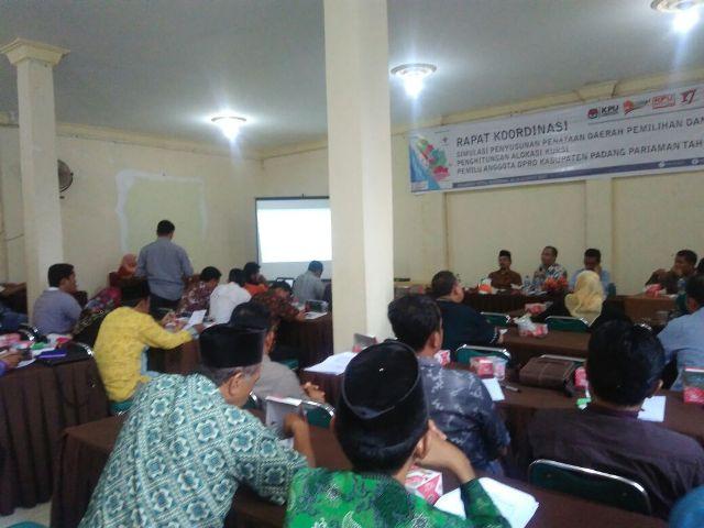 Pada Rakor Simulasi Dapil Padang Pariaman, Komisioner Bawaslu Vifner Ingatkan Camat Jangan Ikut Kampanye