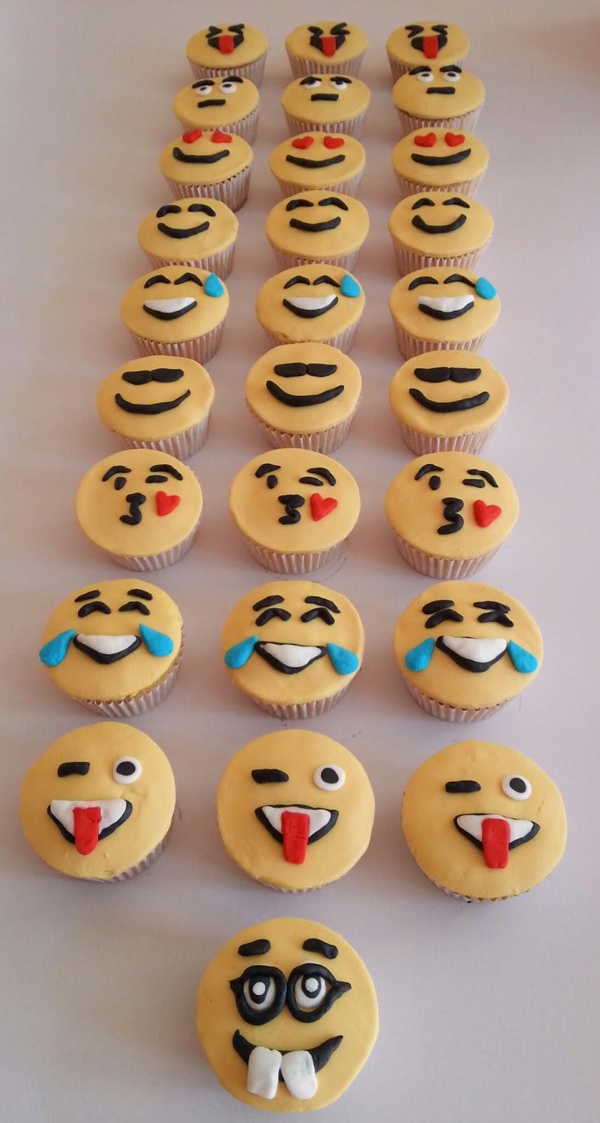Emoji Cupcakes Birthday Cake