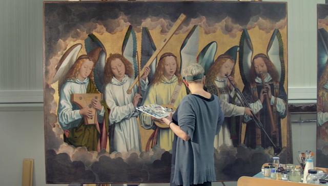 Parte izquierda - En restauración. Se aprecia el tamaño casi natural de las figuras