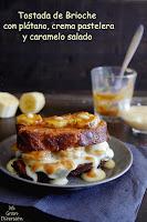 Tostada de brioche con plátano, crema pastelera y salsa caramelo salada
