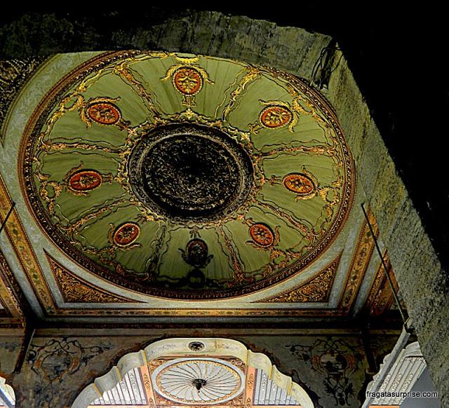 Detalhe da decoração de um portão do Palácio de Topkápi, Istambul