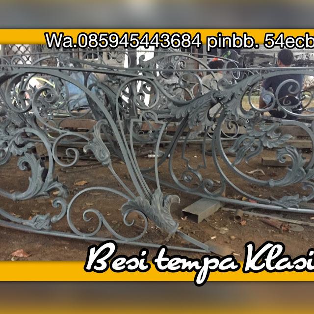 jual ornamen besi tempaCENTRAL JAVA ART, WA,085945443684 XL, TLPN,085329003383 TELKOMSEL Alamat; jl.H.Bidong raya rt.03 rw.04 ketapang .cipondoh tangerang http://centraljavaartbesitempaklasik.blogspot.com/  Spesialis pembuatan, pengerjaan atau pengrajin Pintu, Gerbang, Pagar, Besi Tempa, Pagar Klasik, Pagar Rumah, Pagar Mewah, Pagar Klasik, Besi, Tempa, Railing, Balkon, Tangga, Tangga layang, Tangga lengkung, Tangga Putar, klasik untuk Rumah Mewah.melayani pesanan khusus ornamen alferon besi tempa, baik didalam kota maupun luar kota-kota besar seperti : JaBoDeTaBek, Medan, Palembang,pekanbaru,batam,Lampung, Surabaya, Semarang, Jogjakarta, Bali, Lombok, Makasar, Menado, Kendari,Kutai,Kalimantan,papua,aceh,Expor ; malaysia juga australia dll, bahkan sampai keluar Negeri. Produk - produk kami antara lain adalah :             pagar besi tempa Jakarta,jual ornamen,             pagar besi tempa klasik,jual ornamen besi tempa,             pagar besi tempa mewah,jual ornamen klasik             pagar besi tempa,jual ornamen besi tempa klasik             pagar besi tempa antik,jual ornamen antik             aksesoris pagar besi tempa,jual ornamen cor alluminium             pagar alferrom besi tempa, jual ornamen alferron             harga pagar besi tempa,jual ornamen allferrom             jual pagar besi tempa, jual ornamen alferom klasik             pagar balkon besi tempa,jual matrial besi tempa             harga pagar besi tempa terbaru, jual asesories besi tempa             pagar besi tempa model classic dan minimalis,jual asesoris pagar tempa             cat pagar besi tempa,jual ornamen pagar besi             contoh pagar besi tempa,jual ornamen pagar tempa klasik             cara membuat pagar besi tempa, jual ornamen balkon             contoh model pagar besi tempa, jual ornamen tangga             desain pagar besi tempa, jual ornamen railling tangga             desain pagar besi tempa klasik, jual ornamen spesial besi tempa             pagar dari besi tempa, jual or