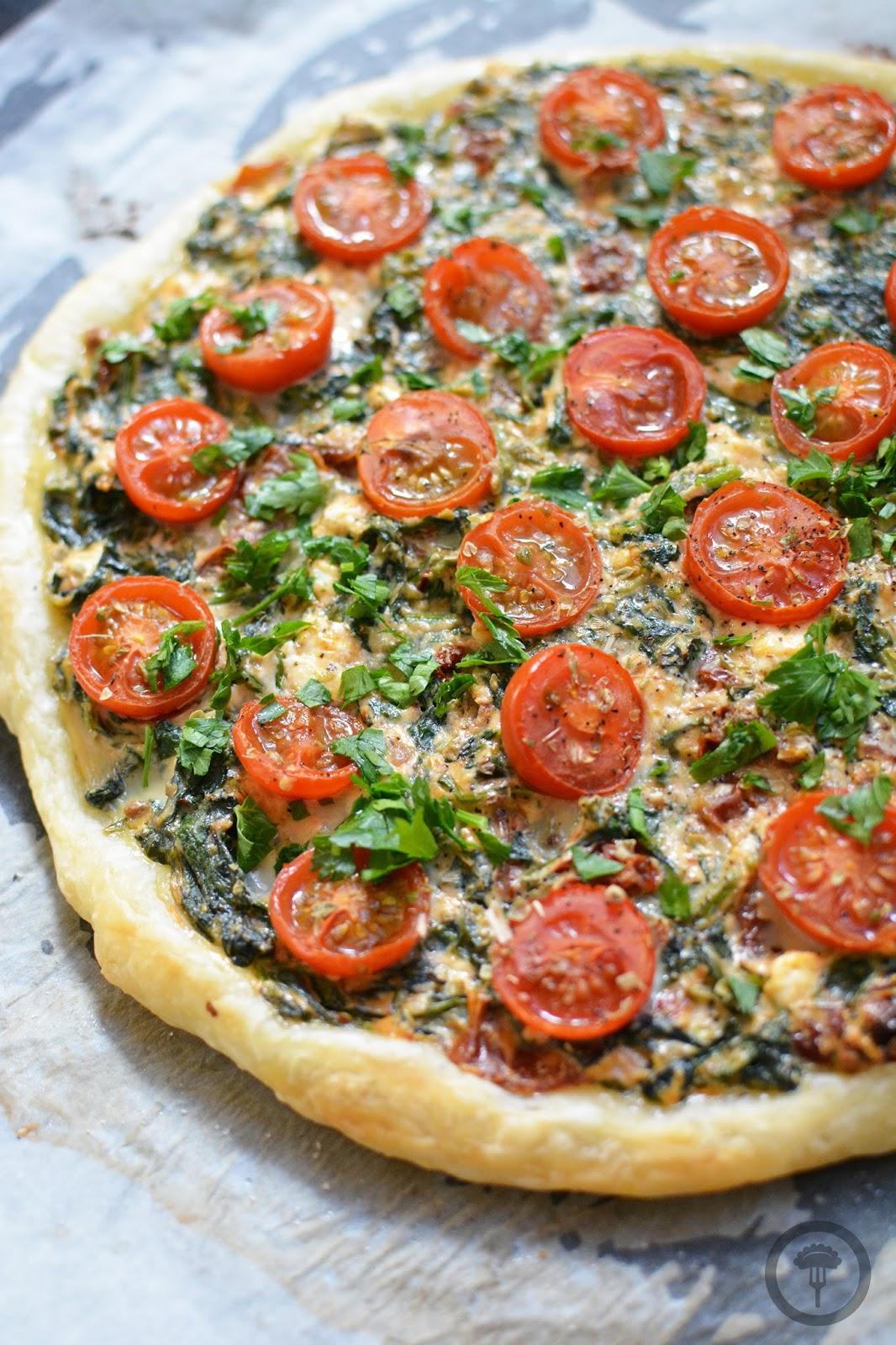 pizza na cieście francuskim przepis