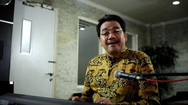 UAS Dukung Prabowo, Denny JA: Sangat Terlambat dan Tak Berpengaruh