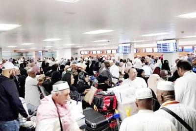 Ribuan Bagasi Jamaah Menumpuk di Bandara