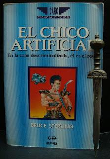 Portada del libro El chico artificial, de Bruce Sterling