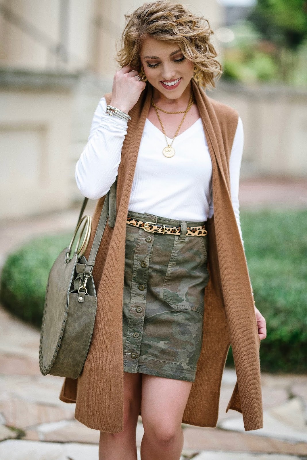 How to Style Camo: Camo Utility Skirt + Leopard Belt - Something Delightful Blog