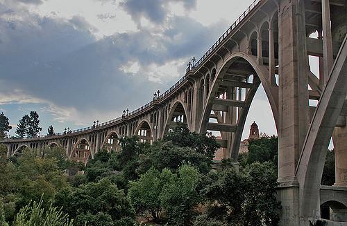 Colorado Street Bridge tempat favorite yang sering dijadikan tempat bunuh diri