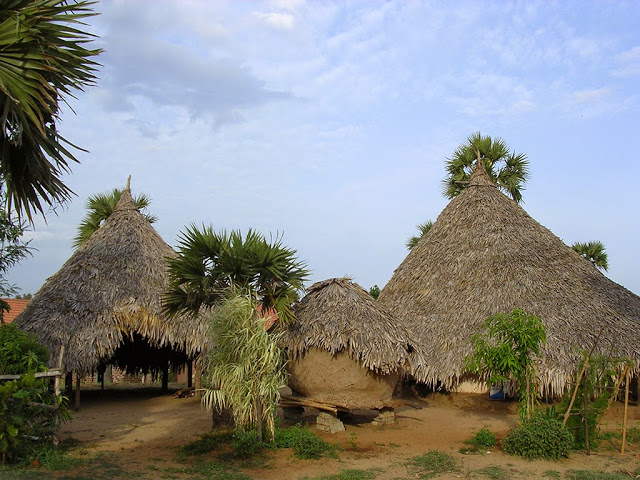 Mud house clusters of coastal Andhra - DakshinaChitra