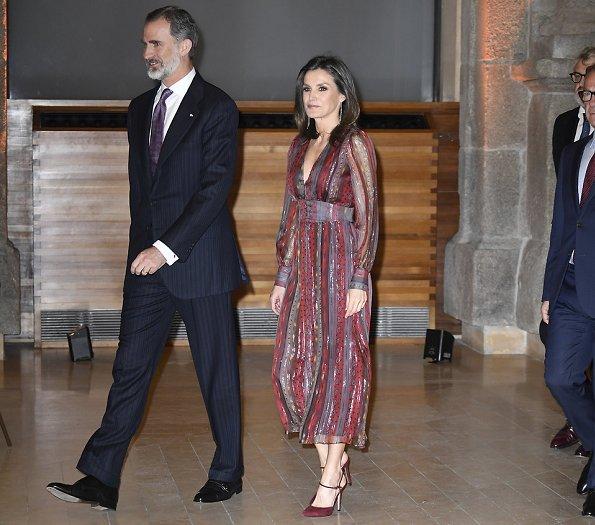 Queen Letizia wore Intropia Lurex details silk midi dress and LODI burgundy suede ankle strap pumps