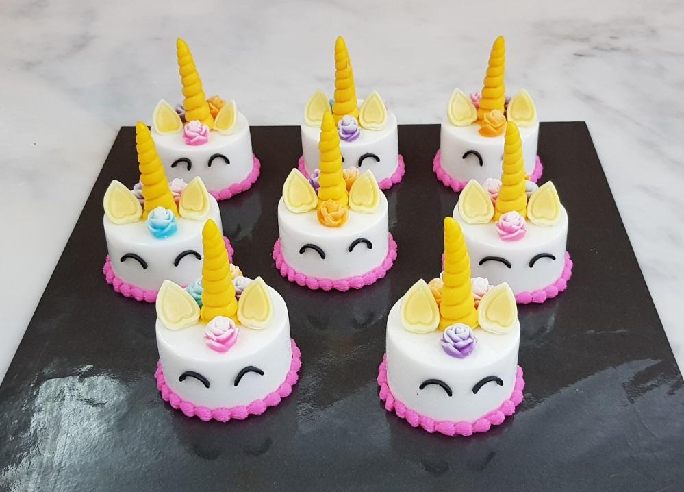 Yochanas Cake Delight Mini Unicorn