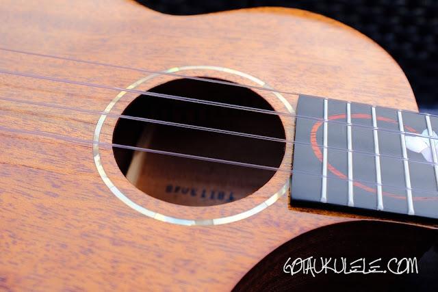 Enya EUT-M6 Tenor Ukulele soundhole