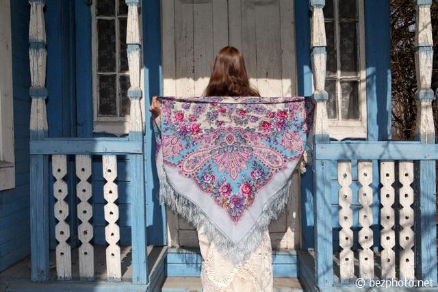 павлопосадский платок в лучах солнца